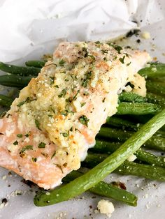 Roasted Salmon, Baked Salmon, Lobster Recipes, Seafood Recipes, Healthy Eating Recipes, Diet Recipes, Beans Recipes, Salmon Green Beans, Garlic Butter