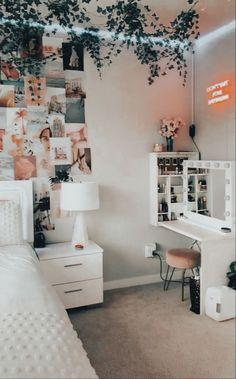 Room Design Bedroom, Room Ideas Bedroom, Small Room Bedroom, Bedroom Inspo, Bedroom Ideas For Small Rooms, Teen Bedroom Makeover, Neon Bedroom, Indie Bedroom, Trendy Bedroom