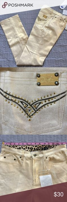 """💰Diane Gilman Gold Jeans 💰 💰Super versatile jeans..... a girls nite out... 🍷holiday parties 🎉 date nite 💋or add a gold top and a gold shovel and be a """"gold digger"""" for Halloween 👻💄💍👠super cute and fun! NWT Diane Gilman Jeans Straight Leg"""