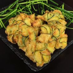 "This is ""Frittelle di zucchine croccanti"" by Al.ta Cucina on Vimeo, the home for high quality videos and the people who love them. Veggie Recipes, Vegetarian Recipes, Healthy Recipes, Easy Cooking, Cooking Recipes, Zucchini Aubergine, Comida Keto, Antipasto, Vegetable Dishes"