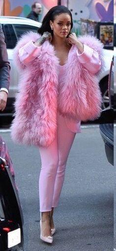 Rihanna Street Style & More Details