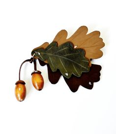 brooch oak leaf natural leather, brooch oak leaf shades of brown, gift foe her, gift ideas, gift for womans, brooch for mom Ready to ship.