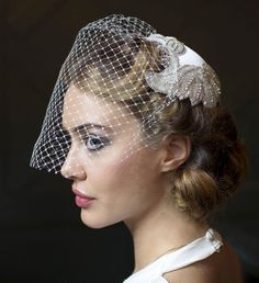 Snippets, Whispers and Ribbons – The Most Beautiful Veils for a Vintage Bride