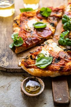 Cold Vegetable Pizza, Vegetable Pizza Recipes, Grilled Pizza Recipes, Broccoli Pizza, Chicago Style Pizza, Good Pizza, Fancy Pizza, Half Baked Harvest, Tomato Basil