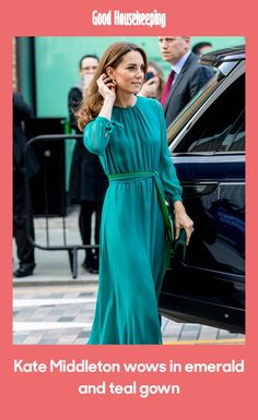 The Duchess of Cambridge wears a gorgeous jewel-toned gown at a special event in London today. Tux Dress, Green Gown, Floor Length Gown, Kate Middleton Style, Royal Fashion, Looking Gorgeous, Duchess Of Cambridge, Nice Dresses, Fashion Beauty