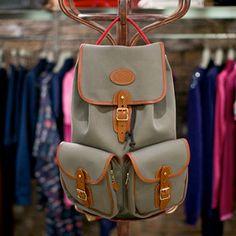 Пять красивых продавщиц в магазинах мужской одежды выбирают вещи для парня их мечты — FURFUR — FURFUR — поток «Девушки»