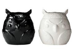 Super cute owl cookie jars from Target. Halloween Owl, Halloween Inspo, Halloween Looks, Cute Owl, Cookie Jars, Piggy Bank, Super Cute, Owls, Target