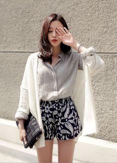 Korean Fashion – How to Dress up Korean Style – Designer Fashion Tips Korea Fashion, Asian Fashion, Look Fashion, Fashion Outfits, Womens Fashion, Fashion Trends, Trendy Fashion, Korean Fashion Teen, Fashion Shorts