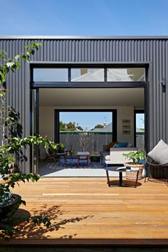 Brunswick Extension by ArchiBlox (via Lunchbox Architect) House Cladding, Exterior Cladding, Facade House, House Facades, Metal Building Homes, Building A House, Weatherboard House, Timber Deck, Shed Homes