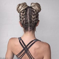 AMAZING braided buns from @N.StarckDefinitely need to try this…