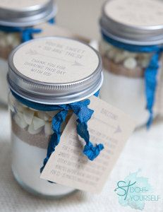 Mason Jar Cookie Mix Favor | AllFreeDIYWeddings.com