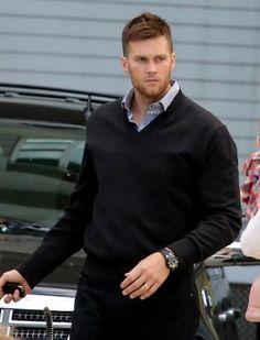Tom Brady attends his sisters graduation from Boston University
