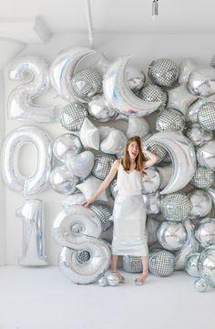 DIY Holographic Balloon Backdrop | studiodiy.com