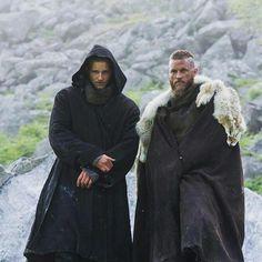 Ragnarok junto a su hijo Gideon. Novela: La Orden Del Pegaso. Autora: Elizabeth Darlin.