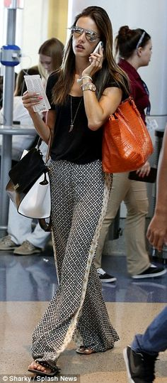 Alessandra Ambrosio shows off her lizard in series of celebrity snaps Casual Outfits, Summer Outfits, Cute Outfits, Fashion Outfits, Fashion Trends, Work Outfits, Silk Pants, Pants Pattern, Look Chic