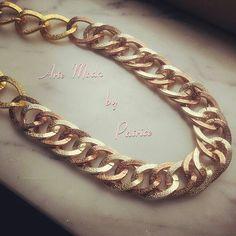 Collezione Patrice creation:modello Greta..collana a maglie grandi con tonalità di colore oro e bronzo...per info: patriceartemoda@gmail.com ..#artemoda#creation#by#patrice#handmade#bijoux#accessori#moda#fashion#love#necklace#earrings#designer#gold#follower#