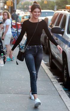 Black Long Sleeve Plain Top Fashion of Kendall Jenner