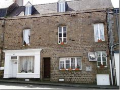 4 Bedroom House for sale For Sale in Mayenne, FRANCE - Property Ref: 702410 - Image 1