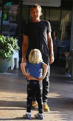 Zuma Rossdale Photos - Singer Gwen Stefani, her husband Gavin, and their boys Kingston and Zuma out at the Glen Center in Bel Air, California on June - Gwen Stefani And Family Out In Bel Air Gavin Rossdale, Out To Lunch, Family Outing, Gwen Stefani, Photo L, Celebs, Singer, Bel Air, Celebrity
