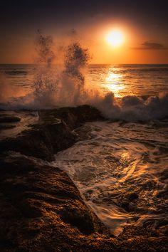 Bali Sunset, sun, colourful, breathtaking, water, waves, rocks, beauty, panorama, gorgeous, beautiful, photograph, photo
