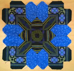 Olga K from Kiev made this Lucy Boston POTC block using border stripe mirror images! Hexagon Quilt Pattern, Paper Pieced Quilt Patterns, Mariners Compass, Miniature Quilts, I Love Lucy, English Paper Piecing, Square Quilt, Dresden, Quilting Designs