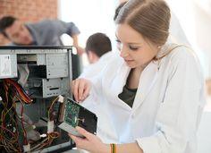 Sie sind auf der Suche nach einem Ausbildungsplatz? Hier finden Sie nützliche Tipps + weiterführende Links zu Jobmessen und Ausbildungs-Jobbörsen...  http://karrierebibel.de/ausbildung-finden/