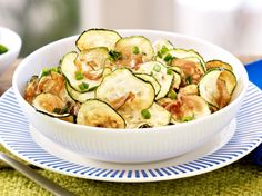 Zucchini-Chips selber machen – so geht's | LECKER