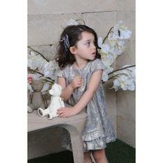 """BABYSHAEY Babyshaey se consacre à l'univers de l'enfance, en s'inspirant du style """"BO-BO (bourgeois/bohème). Alors n'attendez plus pour choisir et passer commande de la plus belle robe pour la plus belle des princesses!!  Taille : De 1 an - jusqu'à 10 ans.  BABYSHAEY vous remercie."""