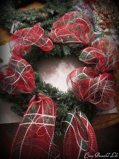 My Crazy Beautiful Life....: Mesh Wreath ~ Tutorial