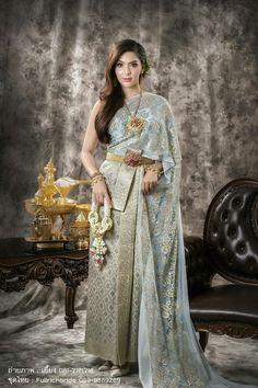 THAI TRADITIONAL COSTUME __ THAI WOMEN Traditional Thai Clothing, Traditional Fashion, Traditional Wedding, Traditional Outfits, Traditional Styles, Cinderella Outfit, Thai Wedding Dress, Thai Fashion, Oriental Dress