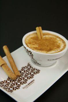 Café de la abuela de Flor de Jamaica, special coffee with milk, cinnamon and brown sugar. ummmmm!!! www.flordejamaica.es