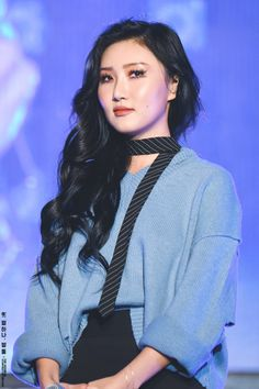 Hwasa ur a pure beauty I hate people who don't understand ur beauty♥♥ South Korean Girls, Korean Girl Groups, Imagine Jin, Snsd, K Pop, Mamamoo Kpop, Kpop Outfits, Queen, Girl Crushes