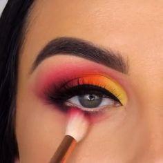 eyeliner yellow make up - eyeliner yellow Makeup Eye Looks, Eye Makeup Steps, Eye Makeup Art, Eyeshadow Makeup, Smokey Eyeshadow, Eyeliner Waterline, Pink Eyeliner, Orange Eyeshadow, Makeup Looks Tutorial