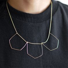 Stay on trend with a Geometric Wire Necklace. Make your own by following this easy DIY tutorial!