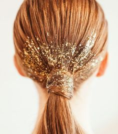 Spring / Summer Backstage Beauty WithSome hair was also dipped in silver or ruby red glitter.Glitter space bunsThis festival hair look is AMAZING! 2 braided space buns were rounded off with a little Straight Hairstyles, Cool Hairstyles, Beautiful Hairstyles, Celebrity Hairstyles, Wedding Hairstyles, Ballroom Hair, Ballroom Dancing, Glitter Fashion, Christmas Hairstyles