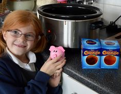 Terry's Chocolate Orange Slow Cooker Fudge Recipe - A Homemade & Edible Christmas Gift - set a piggy timer