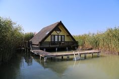 Rust, Cabin, House Styles, Home Decor, Stilt House, Human Settlement, Holiday Destinations, Real Estates, Decoration Home