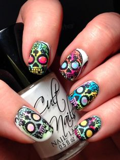 Skull Nail Art Designs Awesome Punky S Polish Watercolor Sugar Skulls Skull Nail Designs, Skull Nail Art, Halloween Nail Designs, Halloween Nail Art, Skull Makeup, Halloween Halloween, Vintage Halloween, Halloween Makeup, Halloween Costumes