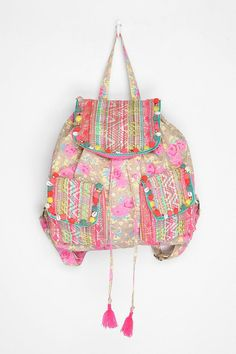 andwhatalicesaw:    (via Fashion Love / Ecote Hanging garden backpack)