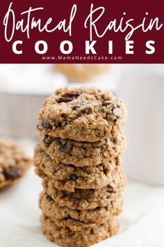 These homemade oatmeal raisin cookies are thick, chewy, and easy to make. These cookies have a soft and chewy center and are crisp around the edges. #oatmealcookies #cookies #softandchewycookies #thanksgiving #christmascookies #cookieplatter #chewycookies #raisins #oatmealraisincookies #holidaybaking Chocolate Chip Cookies, Easy Oatmeal Raisin Cookies, Chocolate Cookie Recipes, Delicious Cookie Recipes, Best Cookie Recipes, Baking Recipes, Dessert Recipes, Easy Desserts, Holiday Recipes