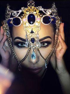Again, eye makeup on fleek Exotic Makeup, Beauty Makeup, Eye Makeup, Hair Makeup, Hair Beauty, Indian Makeup, Makeup Art, Face Jewellery, Body Jewelry