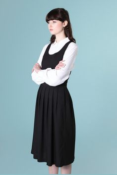 Pinafore Midi Dress Black - I've got this and I love it! Girly Outfits, Cool Outfits, Casual Dresses, Fashion Dresses, Casual Clothes, Feminine Dress, Black Midi Dress, Playing Dress Up, Look Fashion