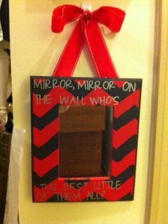 Big Little Mirror Oh my goshhhhh i want this for my little so bad! :)