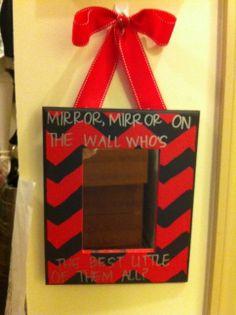 Big Little Mirror #CheapSororityCrafts #CheapSororityGifts #Crafting #Gifts #Big #Little #BigLil #Chevron #Mirror #Bow
