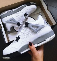 New Sneakers Wedge Outfit Winter Nike Shoes Outlet Ideas Jordan Shoes Girls, Girls Shoes, New Balace, Sneakers Fashion, Shoes Sneakers, Zapatos Shoes, Converse Shoes, Shoes Sandals, Basket Style