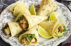 Spicy salmon and guacamole cones