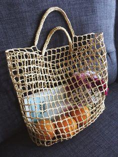 Crochet Beach Bags, Bag Crochet, Crochet Market Bag, Crochet Crafts, Bag Pattern Free, Net Bag, Straw Tote, Cecile, Simple Bags