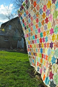 I am in love with this quilt (I'm going to check out the whole blog, the quilts I've seen so far are GORGEOUS!)