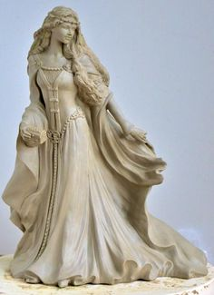 Princess Figurines | ... Celtic Princess figurine by Peter Holland for the Figurine Collective