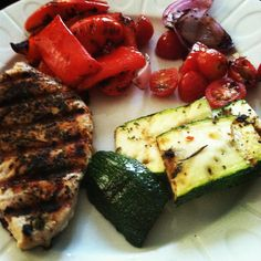 Grilled turkey breast and vegetables